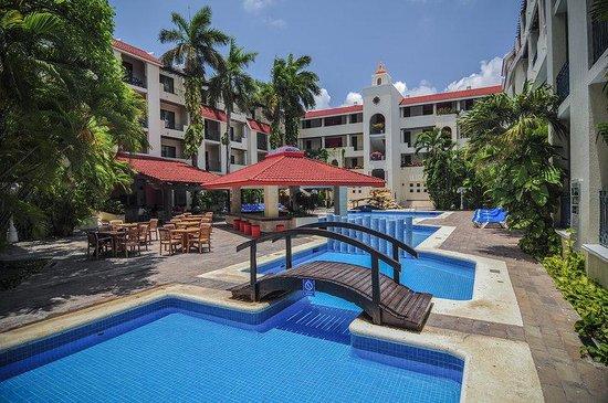 Adhara Hacienda Cancun: Exterior