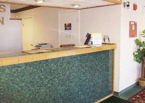 Econo Lodge Cranston: Lobby