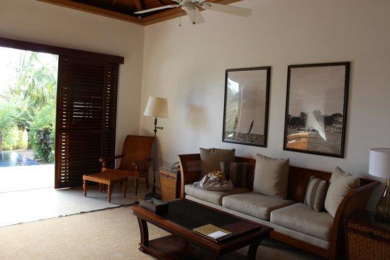 The Residence Zanzibar : Salón de la villa