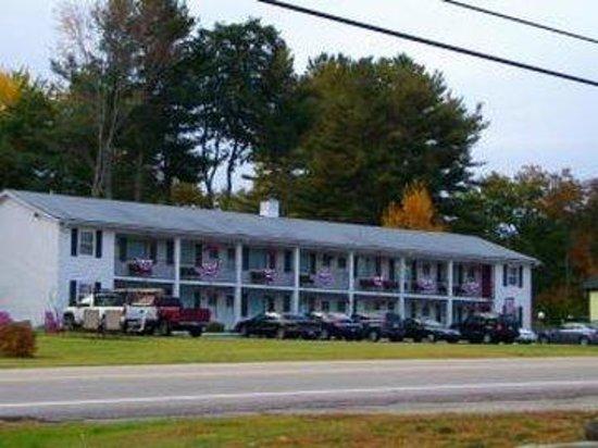 Berry Pond Motel : Property
