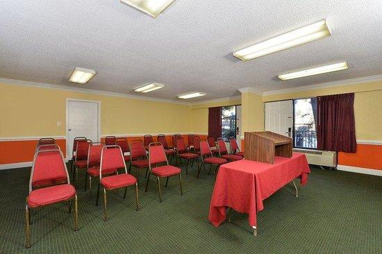 Americas Best Value Inn Valdosta: Meeting Room