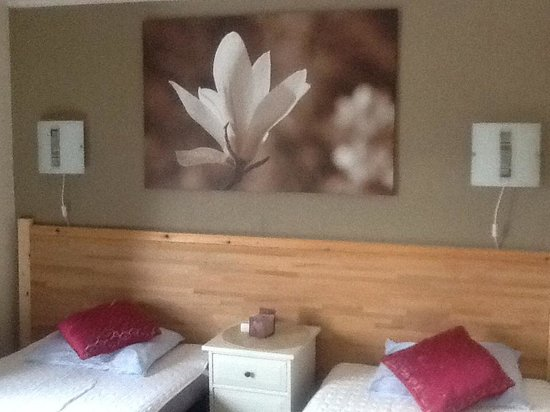 Tarnaby Rooms & Apartments: Lake House twin room