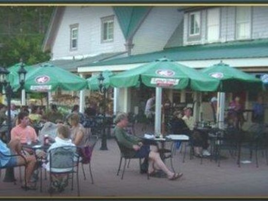 Cannon Mountain View Motel: Outdoordining