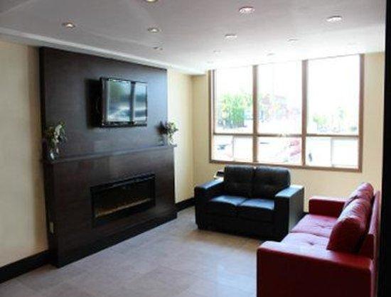 Days Inn & Suites North Bay: Lobby