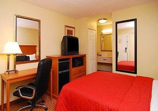 Econo Lodge Mayport : Interior