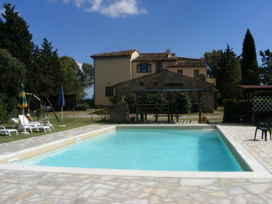 Agriturismo Casa Rossa: View from the pool