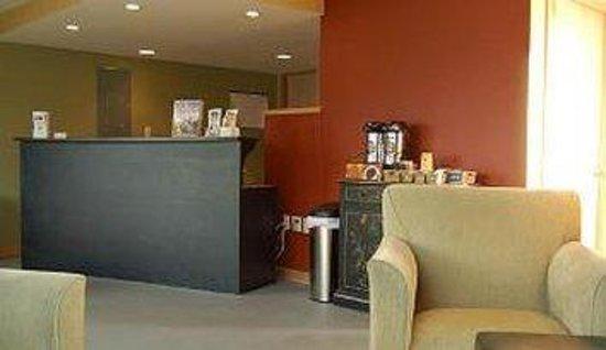 Sandy Cove Inn: Lobby