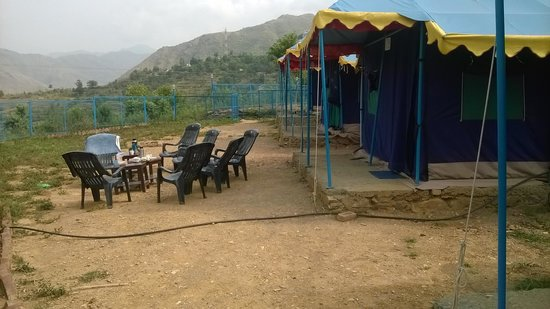Blue Canvas Resort: Choose bigger tents if with children