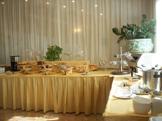 Nuovo Albergo : buffet prima colazione