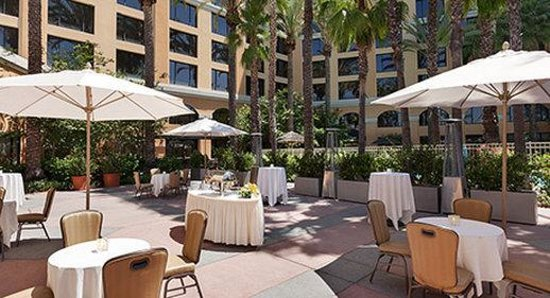 Wyndham Anaheim Garden Grove: Santa Rose Patio