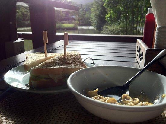 Ban Sainai Resort : Breakfast spread. Must try the banana pancakes and egg sandwiches!