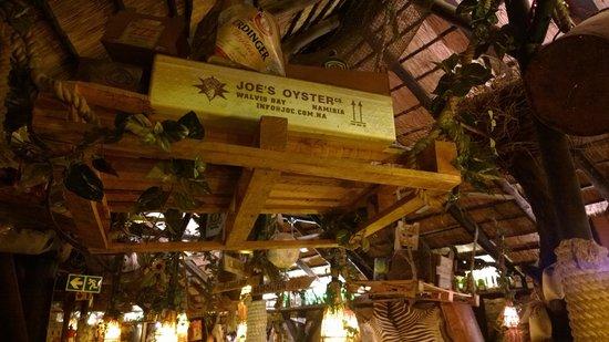 Joe's Beerhouse: Decoração