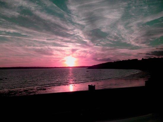 Hotel Restaurant de l'Ocean : La vue en fin de soirée