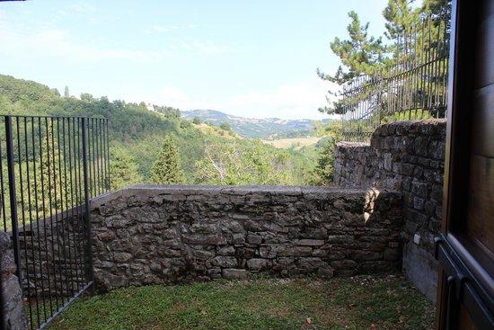 Castello di Petroia: panorama dal terrazzino della camera