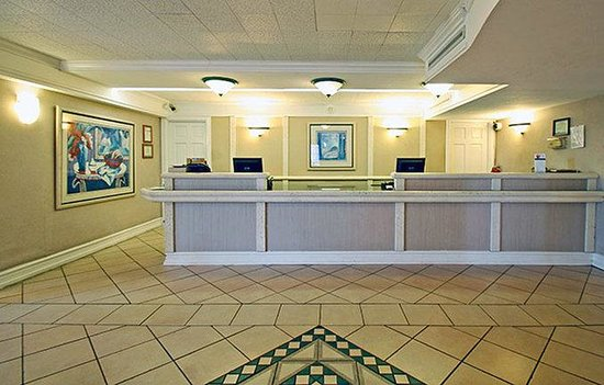 Motel 6 Dallas - Garland - Northwest Hwy: MLobby