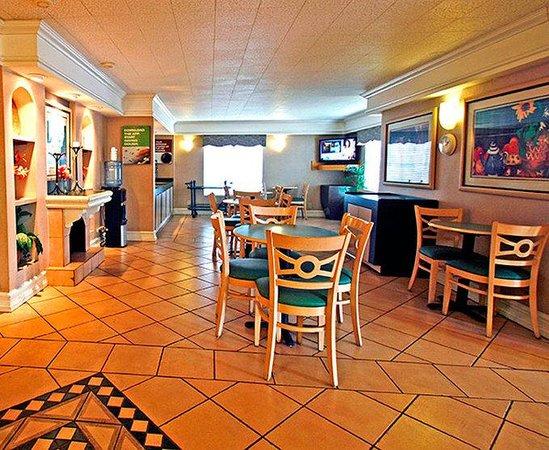 Motel 6 Garland - Dallas- Northwest Hwy: MLobby
