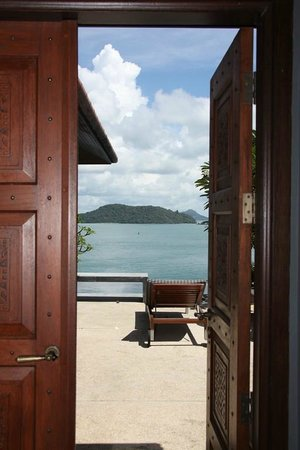 Sri Panwa Phuket Luxury Pool Villa Hotel: View from villa thru entrance door