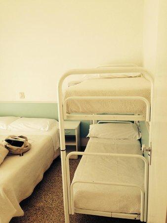 Hotel Felsina: camera con 4 posti letto