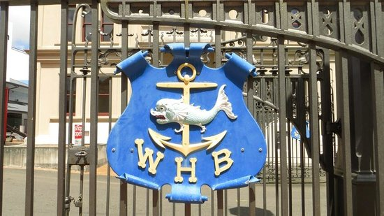 Museum of Wellington City & Sea : At the gates