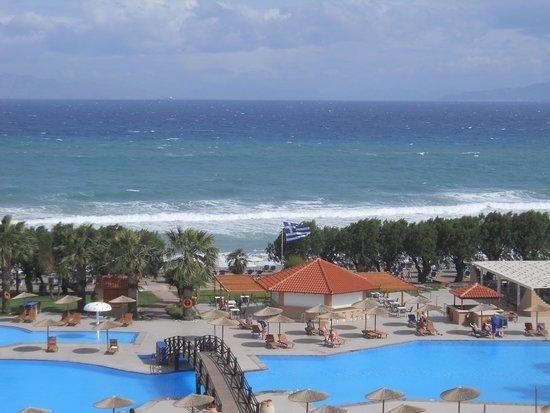 Doreta Beach Hotel : Вид с баклкона