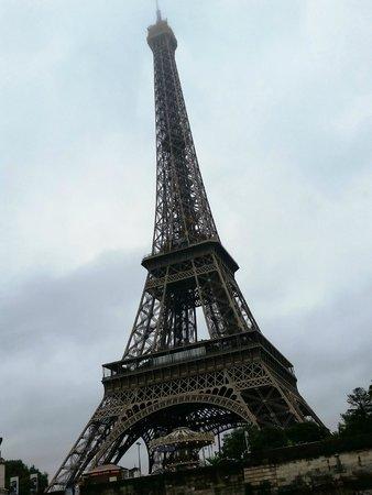 Tour Eiffel : Vista dalla Senna su un BateauxParisienne