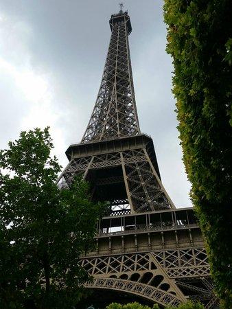 Tour Eiffel : Sotto la torre!