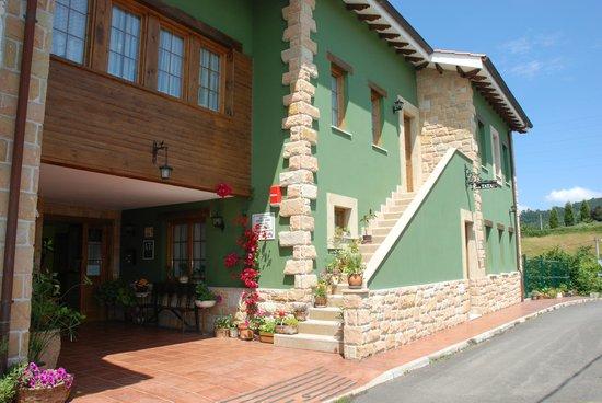Apartamentos Rurales Casa Tata: Fachada principal