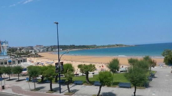 Silken Rio Hotel: A few steps away from the Beach of El Sardinero.