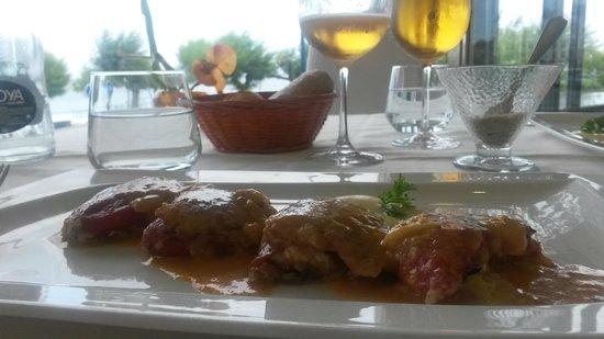 Silken Rio Hotel: Good food, Good View from Restauran.