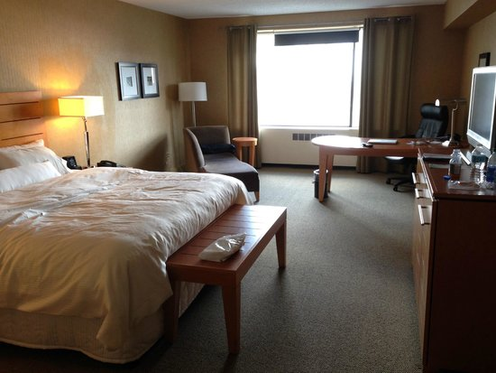 The Westin Edmonton: Deluxe King room