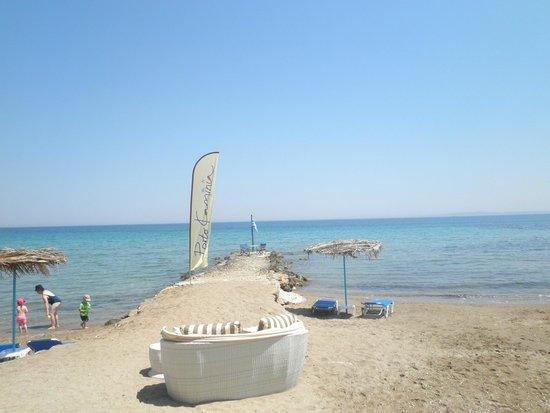 Yria Celia Apartments: Beach