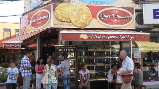 Guler Pastanesi Cafe: GÜLER PASTANESİ GENEL GÖRÜNÜM