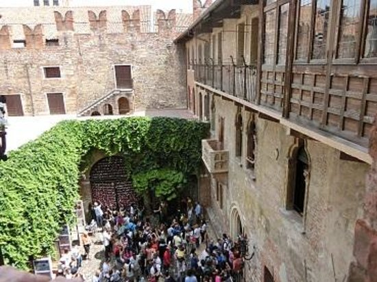 Casa di Giulietta: バルコニー