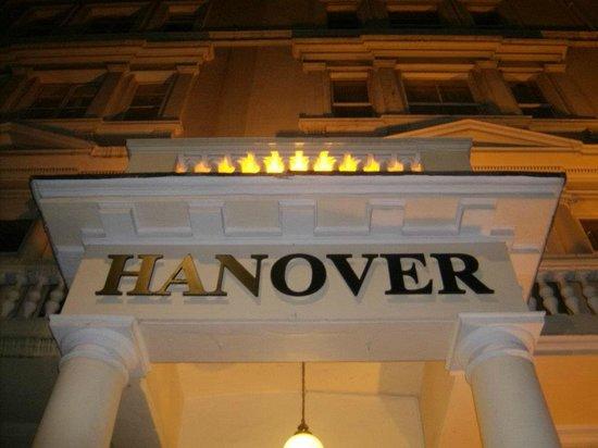 Hanover Hotel Victoria: Entrada hotel Hanover