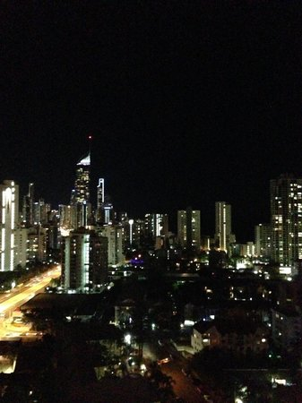Crowne Plaza Surfers Paradise: Wonderful views of Surfers from the 19th floor
