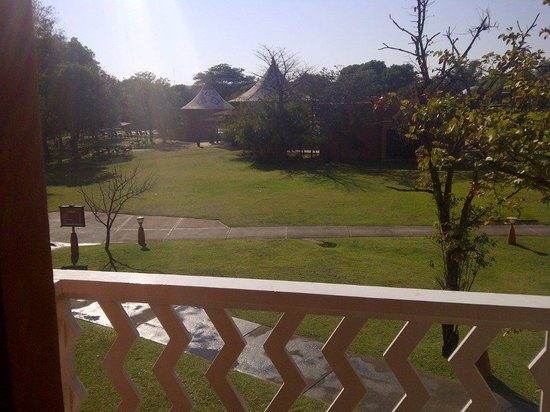 AVANI Victoria Falls Resort : View from room facing Court Yard