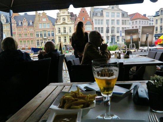 Restaurant De Witte Leeuw: La terrasse