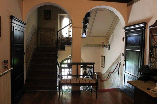 San Valentino, Italy: Scala interna di accesso alle camere.