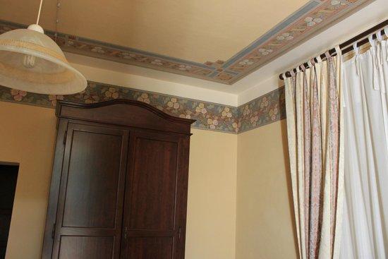 La Maison D & D : soffitto e parete stanza