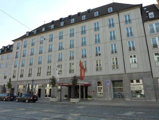 Steigenberger Drei Mohren: Straßenseite