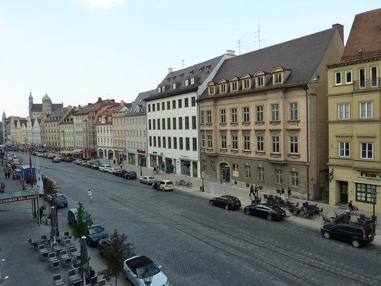 Steigenberger Hotel Drei Mohren: Blick 2 auf Straßenseite