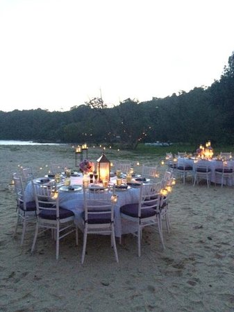Anantara Layan Phuket Resort: Dinner by the beach