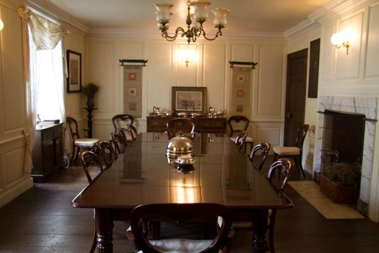 Compton House: dining room