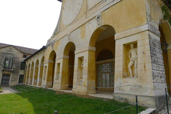 Villa Barbaro: Exterior