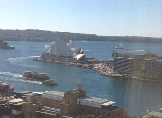 Shangri-La Hotel Sydney: Part of the view from our room on the 17th floor