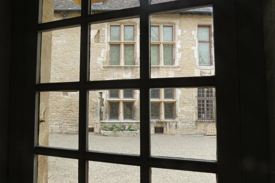 Musee du Vin de Bourgogne: A view from a first floor window