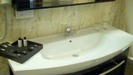 BATHROOM K108 HOTEL