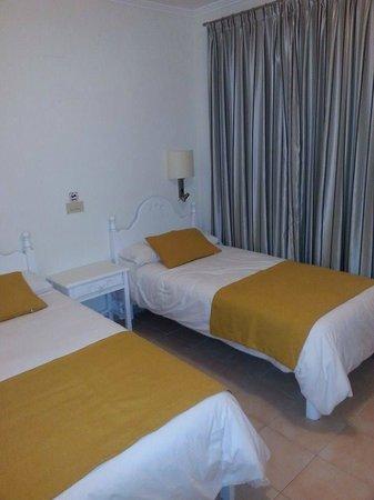 Grupotel Mar de Menorca: room
