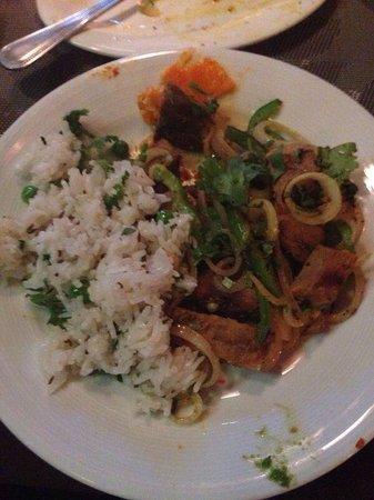 Gajanana/Dolce Vita Restaurant & Bar: Duck curry