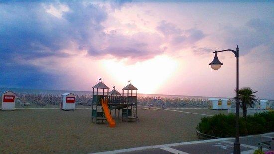 Hotel Columbus : Kein Sonnenuntergang.  Gewitter! ;-)